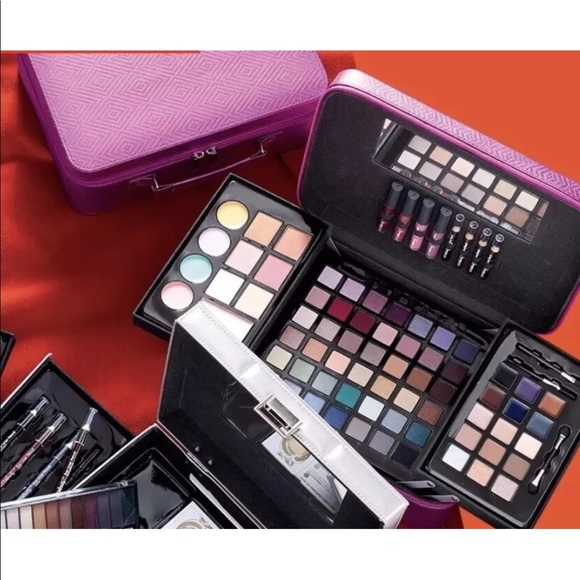 Ulta Be Gorgeous 76 Piece Collection makeup kit NWT